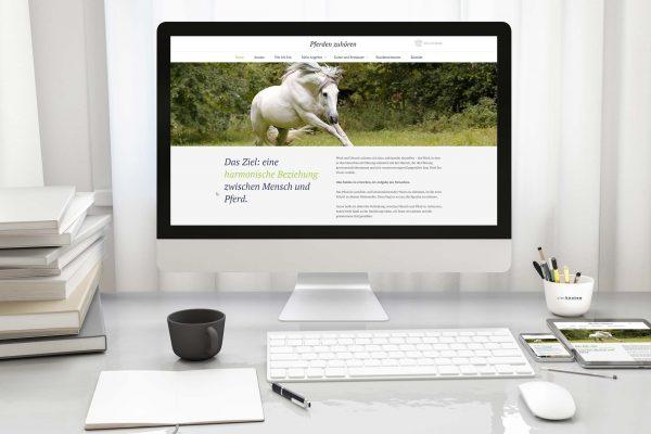 Responsive Webseite für Pferdetraining Pferden zuhören